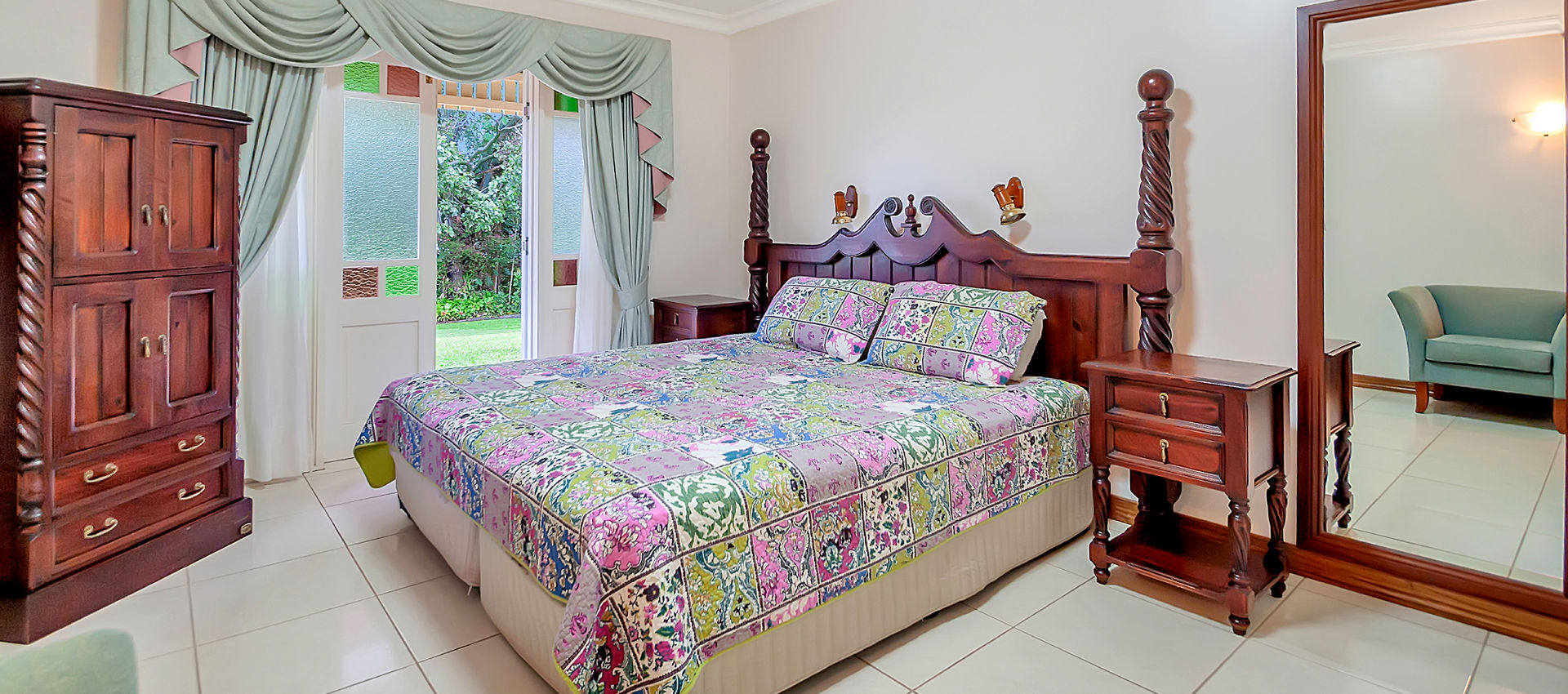 Bed and Breakfast accommodation Williams Lodge BnB Yungaburra